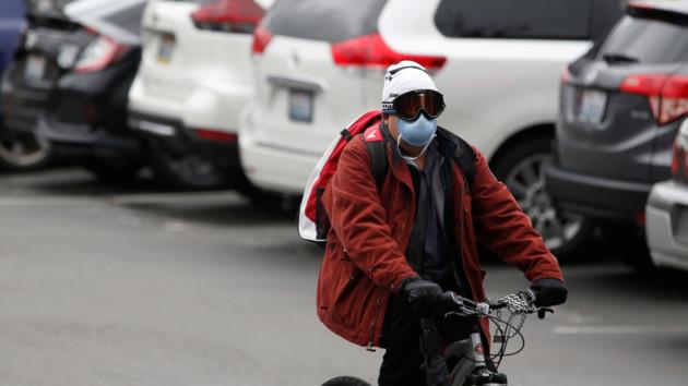 Статистика эпидемии: за сутки в мире заразились коронавирусом почти две тысячи людей