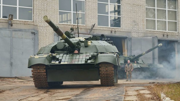 """""""Укроборонпром"""" показал подводные испытания модернизированного танка Т-72: видео"""