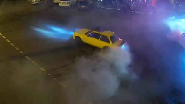 В центре Одессы гонщики-автохамы устроили экстремальные развлечения: видео