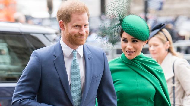 Меган Маркл запретила принцу Гарри встречаться с зараженным отцом - СМИ