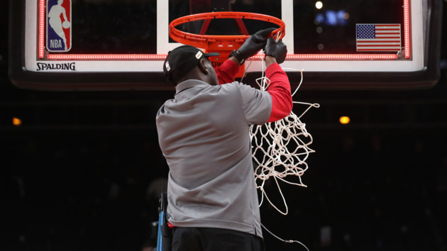 В НБА нашли способ, как убрать из трансляций матчей ругательства игроков