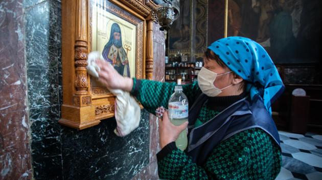 Очереди в церковь и заявления «наш Бог живой, а не Бог онлайн»: как верующие отпраздновали Вербное воскресенье