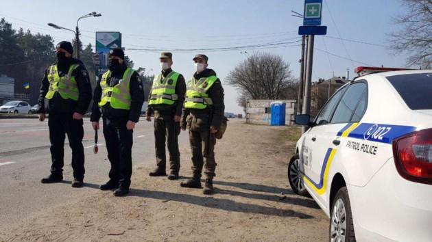 В полиции показали, как ловили нарушителей карантина: видео рейдов по маршруткам