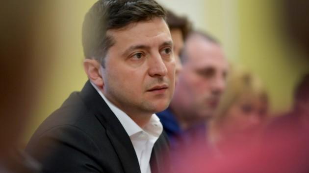 Зеленский обратился к крымчанам из-за коронавируса: что посоветовал