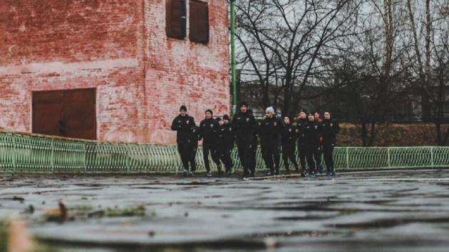 Украинский футбольный клуб из-за коронавируса в два раза уменьшил зарплаты игрокам