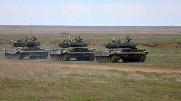 Россия завезла на Донбасс танки и 30 вагонов боеприпасов: подробности