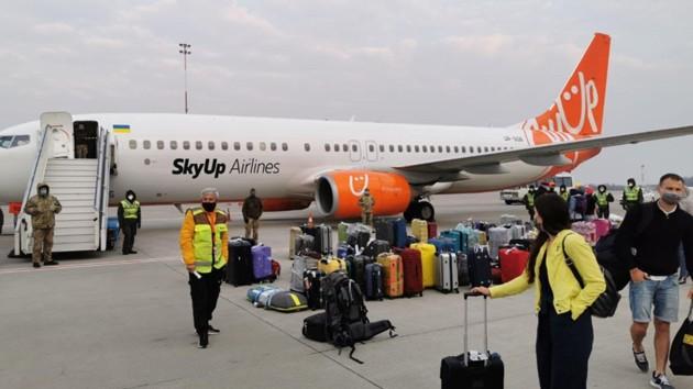 Скандал с эвакуацией украинцев с Бали и Дохи: что известно о судьбе прилетевших (видео)