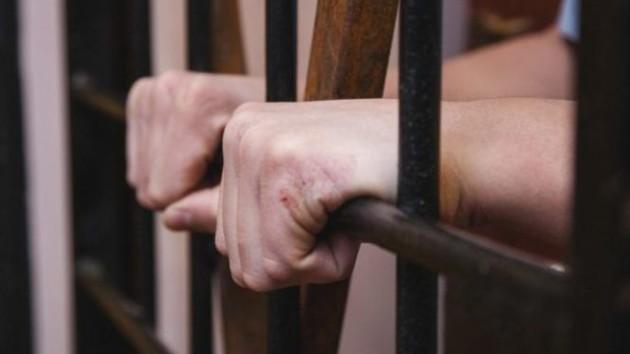 В Киеве отдали под суд двух разбойников, нападавших на прохожих: озвучен приговор