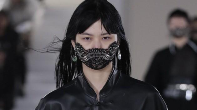 Мир захватывают самодельные и дизайнерские маски: какие действительно могут защитить
