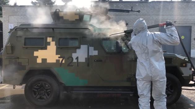 Коронавирус на границе: пограничники показали, как дезинфицируют технику (видео)