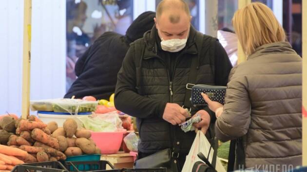 В Черновцах открыли продовольственные рынки: как они будут работать