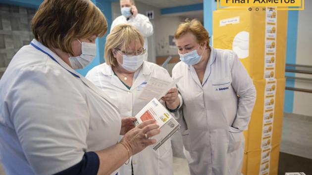 Алгоритм тестирования медиков на коронавирус хотят изменить: кого будут проверять