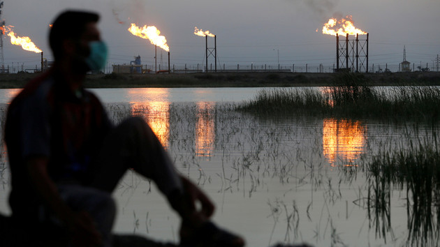 В мире дешевеет нефть: что надавило на цены