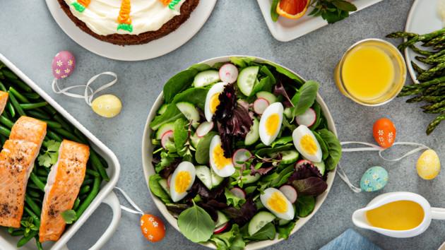 Какие салаты можно сделать на Пасху: ТОП-5 праздничных рецептов