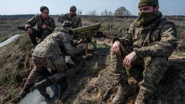 «Ювелирный выстрел ПТУР»: видео уничтожения системы наблюдения боевиков