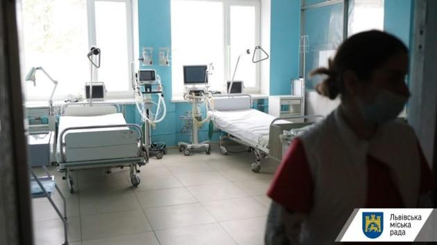 Во Львове жертвой коронавируса стала родственница умершего от COVID-19 пациента