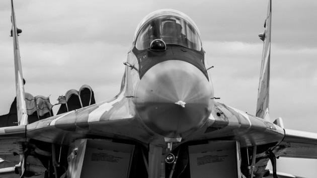 В Мелитополе МиГ-29 совершил аварийную посадку: пилоту грозит тюремный срок