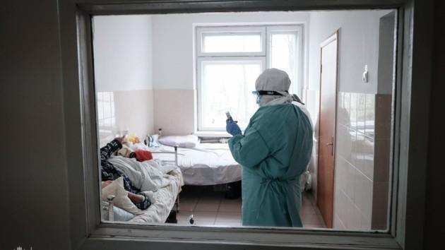 Новые смерти от коронавируса в Киеве: пенсионерка и 40-летний монах