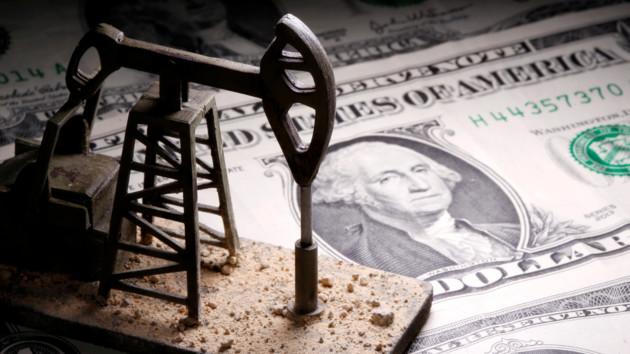 Американская нефть рухнула в цене до антирекорда за 18 лет