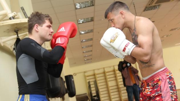 Беринчик и Ломаченко. Фото 24boxing