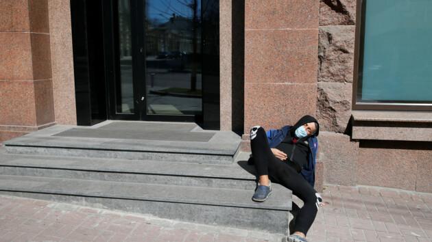 Около 20 человек в день: ученые спрогнозировали пик смертности в Украине