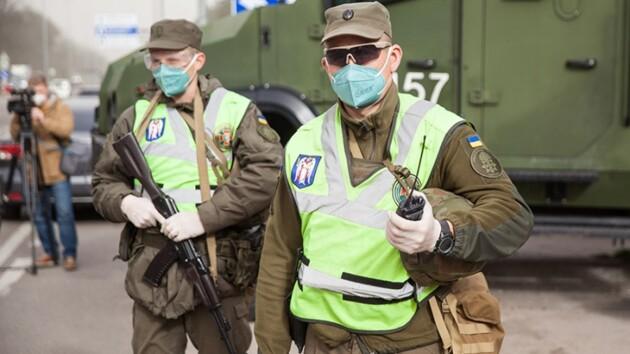 Въезд в Киев со стороны Одесской трассы сковали пробкииз-за проверок машин (видео)