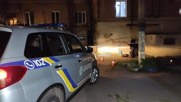 В Кривом Роге мужчина расстрелял молодую пару и покончил с собой