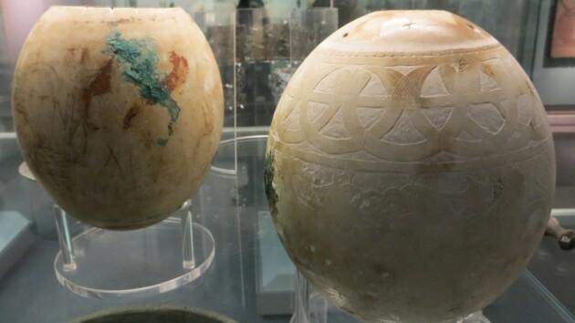 Ученые раскрыли тайну древних яиц с загадочной росписью: невероятные факты и фото