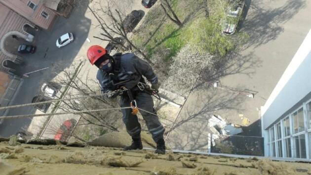 Буря в Киеве: пострадала Александровская больница (фото)