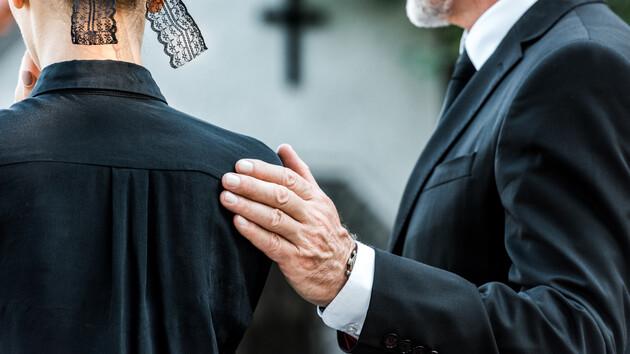 Ошибка врачей: 46-летняя женщина неожиданно зашевелилась перед похоронами, фото