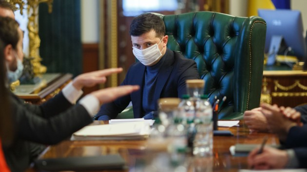 Зеленский об эпидемии: Пикники или шашлыки могут стоить жизни