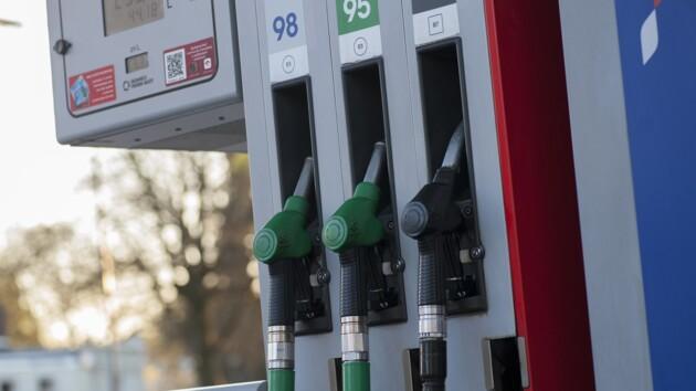 В Украине обвалились цены на бензин и дизель