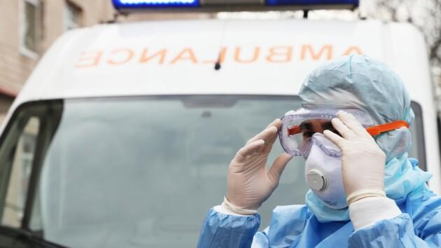 Число зараженных коронавирусом в Украине снова растет: более 800 за сутки