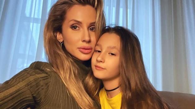 """""""Очень похожие"""": Светлана Лобода показала на видео своих подросших дочерей"""