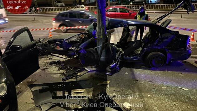 В Киеве произошло масштабное ДТП с участием шести автомобилей
