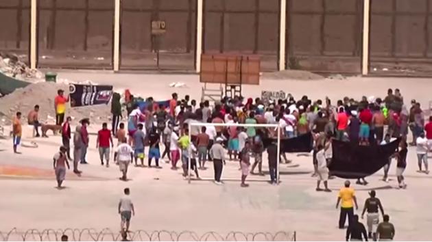 В Перу заключенные устроили бунт из-за коронавируса: 9 убитых и десятки раненых