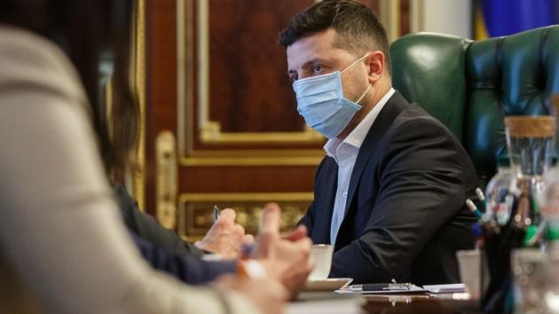 ВНО в некоторых областях под угрозой: Зеленский провел совещание с чиновниками