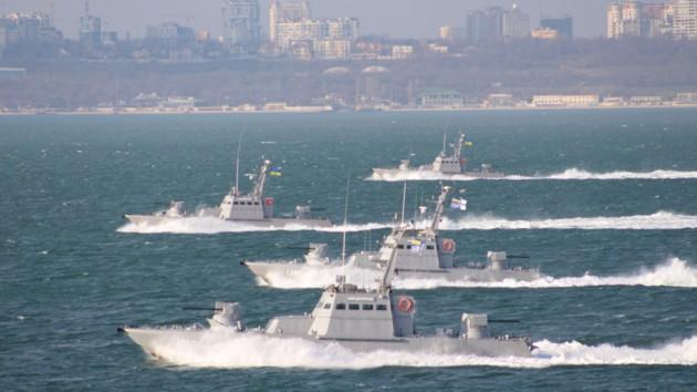 В Азовском море украинские корабли уничтожили «вражеский десант»: видео учений