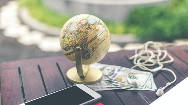 Гороскоп на 18 мая: какие знаки зодиака ждут серьезные финансовые траты