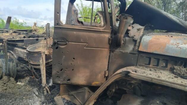 Боевики подбили грузовик ВСУ, есть погибший и раненые: фото