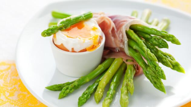 Что приготовить из спаржи: три рецепта простых весенних блюд