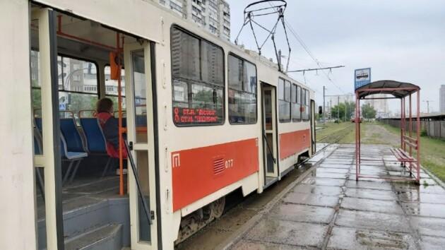 """В Киеве на """"Черниговской"""" остановились трамваи: названа причина"""
