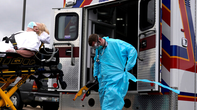 В США зафиксировали самый низкий с марта уровень смертности от коронавируса: что произошло