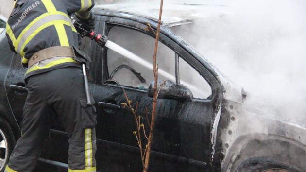 В Киеве на ходу загорелась машина (видео)