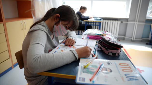 Шмыгаль рассказал, как будут работать школы с 1 сентября
