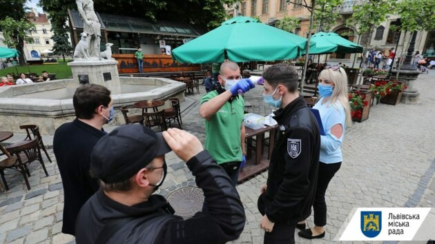 «Не время расслабляться»: во Львовской области продлили карантин