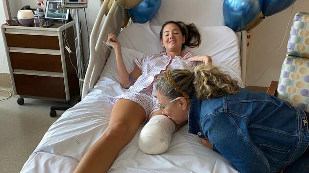 """Участнице """"Мисс Вселенной"""" ампутировали ногу: фото до и после операции"""
