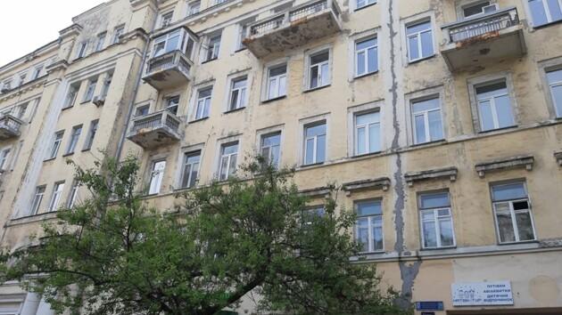 Женщина с маленьким сыном выпрыгнула из окна в Киеве: копы рассказали, как идет расследование