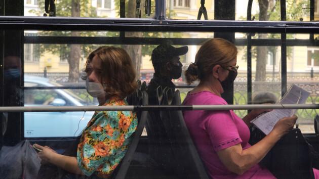 Еще 40 дней в масках: почему продлили карантин и когда его, наконец, отменят