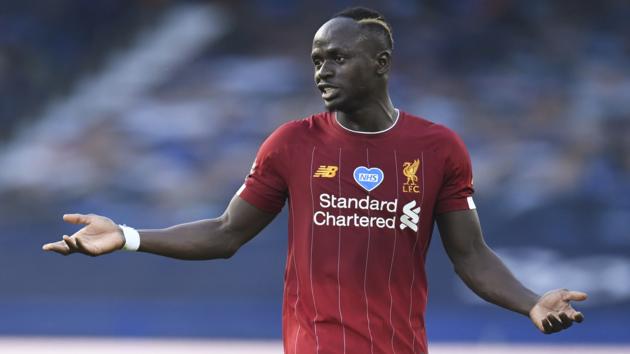 Лучший футболист Африки забыл встать на колено во время акции Black Lives Matter